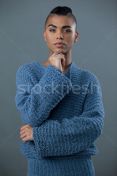 Portret transgender vrouw hand kin telefoon Stockfoto © wavebreak_media