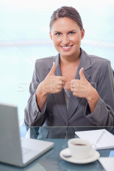 Portre işkadını ofis çalışmak dizüstü bilgisayar Stok fotoğraf © wavebreak_media
