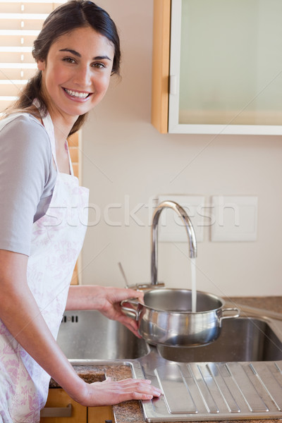 Retrato mulher água molho panela Foto stock © wavebreak_media