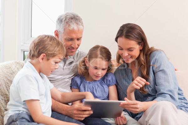 счастливая семья гостиной дома любви интернет Сток-фото © wavebreak_media