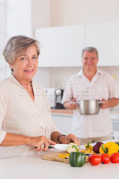 Starych lovers kuchnia kobieta domu Zdjęcia stock © wavebreak_media