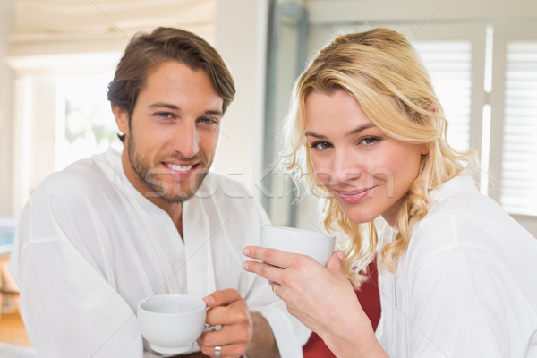 Cute paar koffie samen glimlachend camera Stockfoto © wavebreak_media