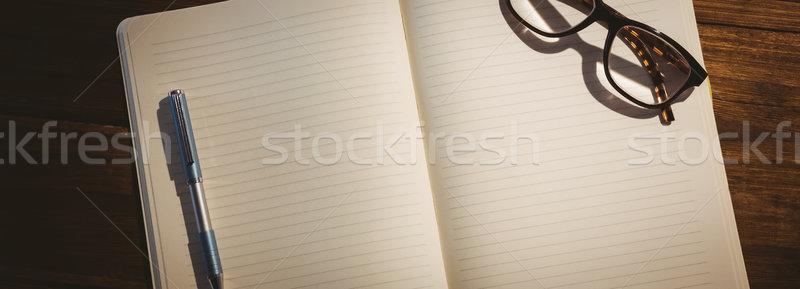 Lege notepad leesbril bureau business kantoor Stockfoto © wavebreak_media