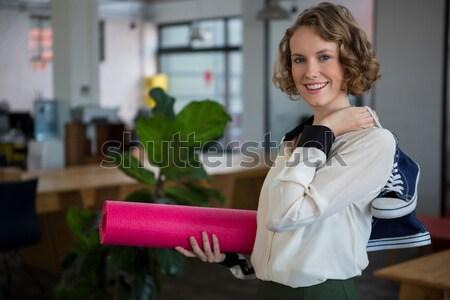 Kuaför gülen kamera kuaför kadın mutlu Stok fotoğraf © wavebreak_media