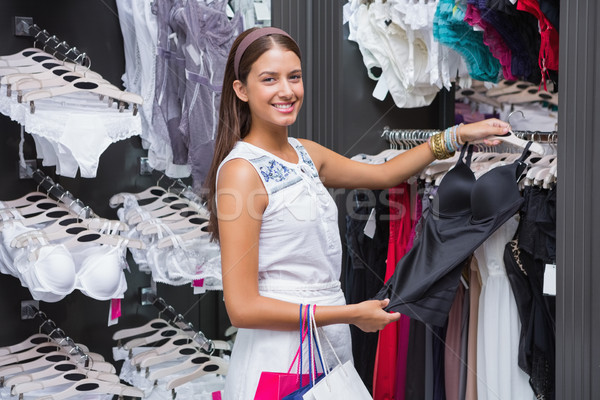 Genç mutlu gülümseyen kadın bakıyor kamera Stok fotoğraf © wavebreak_media