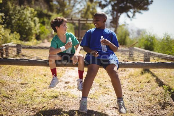 счастливым друзей расслабляющая тренировки загрузка Сток-фото © wavebreak_media