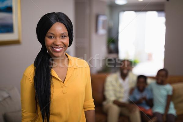 портрет улыбающаяся женщина Семейный портрет дома счастливым стены Сток-фото © wavebreak_media