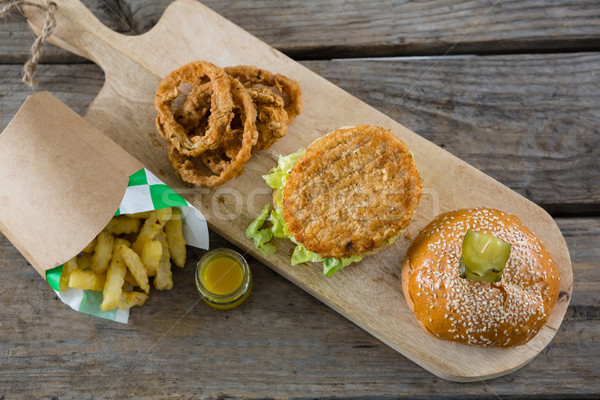 Ver burger cebola anéis tabela Foto stock © wavebreak_media