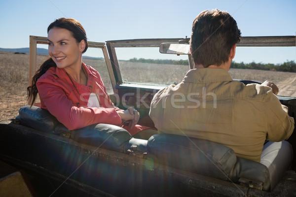 Vrouw man af weg voertuig Stockfoto © wavebreak_media