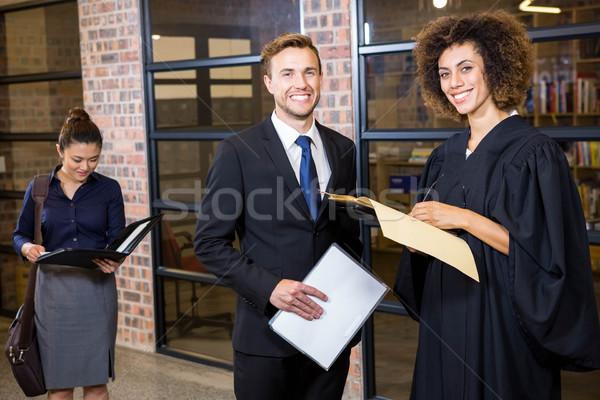 Rechtsanwalt schauen Dokumente Porträt Büro Mann Stock foto © wavebreak_media
