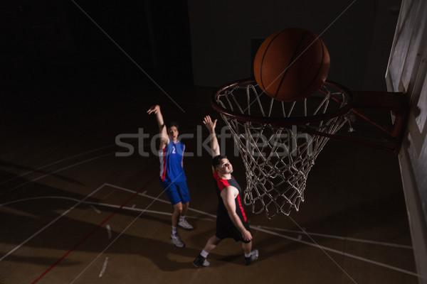 два играет баскетбол баскетбольная площадка спорт Сток-фото © wavebreak_media