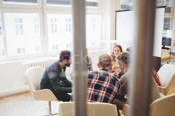 Pessoas de negócios discutir escritório homem laptop Foto stock © wavebreak_media