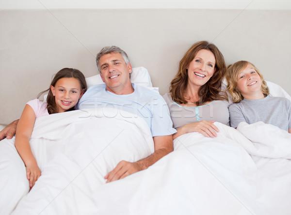 Gelukkig gezin dutje samen liefde man Stockfoto © wavebreak_media