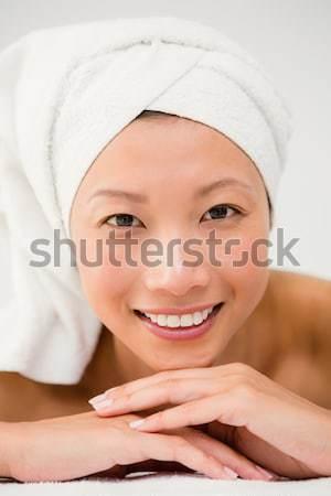 Donna indossare asciugamano toccare pelle felice Foto d'archivio © wavebreak_media
