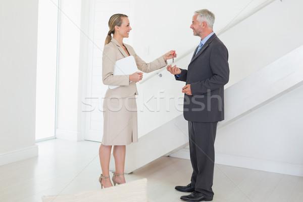 笑みを浮かべて 不動産業者 キー 顧客 空っぽ 家 ストックフォト © wavebreak_media