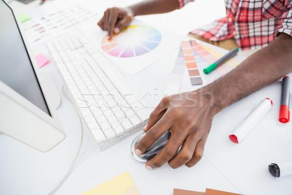 бизнесмен указывая цвета колесо с помощью мыши служба Сток-фото © wavebreak_media