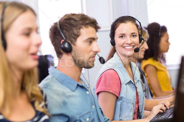 Studentów komputera klasy widok z boku portret dziewczyna Zdjęcia stock © wavebreak_media