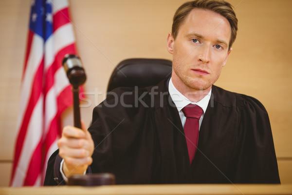 Komoly bíró durranás kalapács bíróság szoba Stock fotó © wavebreak_media