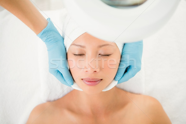 Kezek takarítónő arc pamut kilátás fürdő Stock fotó © wavebreak_media