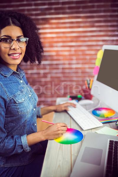 случайный женщины дизайнера улыбаясь рабочих портрет Сток-фото © wavebreak_media