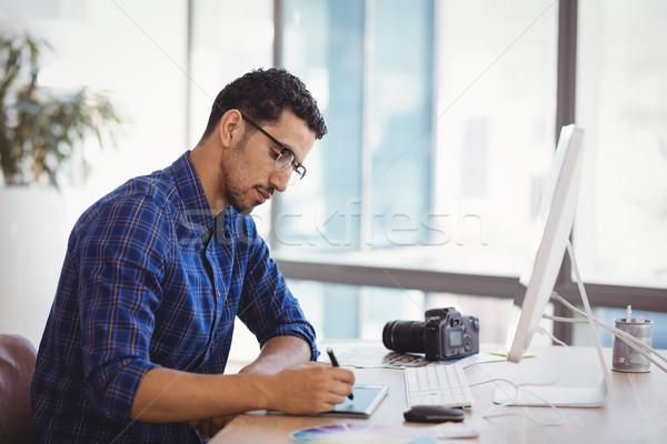 графических дизайнера таблетка столе служба компьютер Сток-фото © wavebreak_media