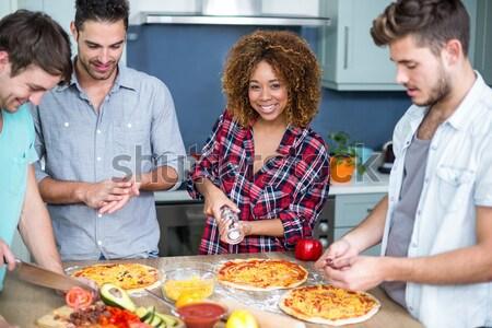 Retrato feliz amigos bebidas comida restaurante Foto stock © wavebreak_media