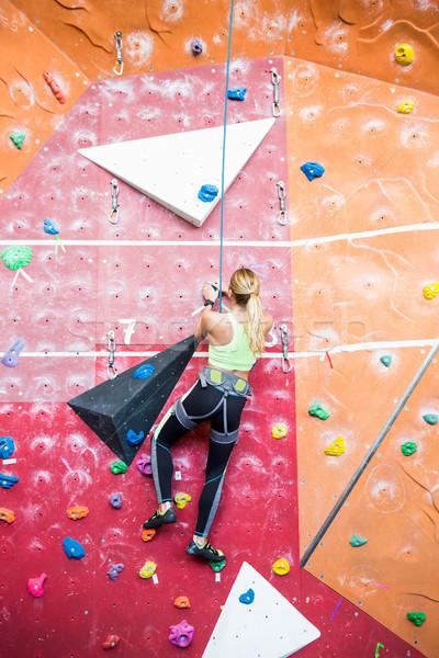 Dopasować wspinaczki siłowni kobieta Zdjęcia stock © wavebreak_media