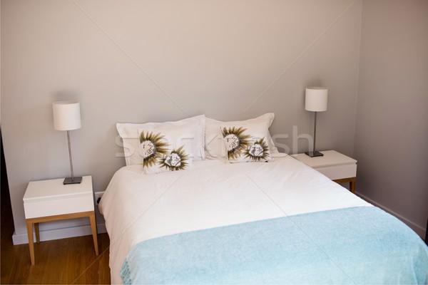 üres ágy fehér lap hálószoba ház Stock fotó © wavebreak_media