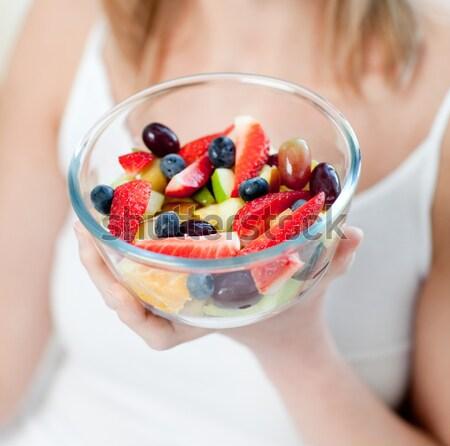 Femme manger salade de fruits maison alimentaire Photo stock © wavebreak_media