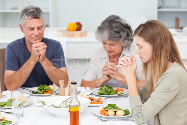 прелестный семьи молиться таблице стороны фон Сток-фото © wavebreak_media