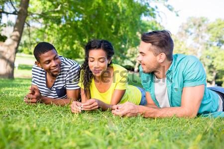 Gelukkig vrienden campus portret gras college Stockfoto © wavebreak_media