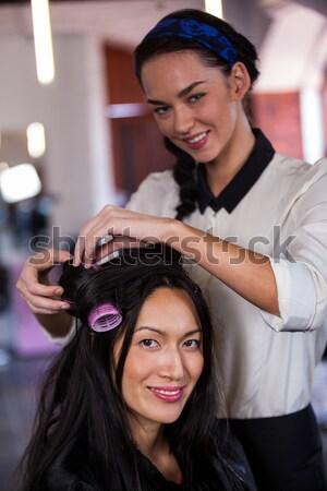 Haren stilist wassen kapsalon man gelukkig Stockfoto © wavebreak_media