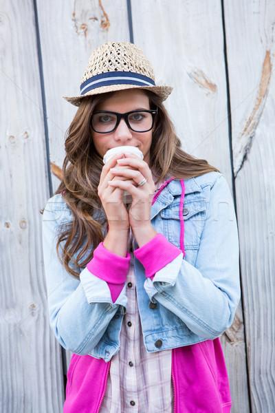 Sevimli kadın tek kullanımlık fincan kahve Stok fotoğraf © wavebreak_media