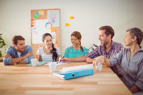 ülő kreatív üzleti csapat együtt dolgozni iroda megbeszélés Stock fotó © wavebreak_media