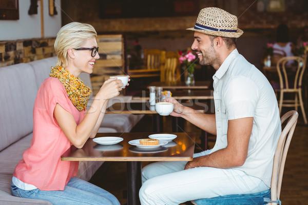 Aranyos pár randevú beszél csésze kávé Stock fotó © wavebreak_media