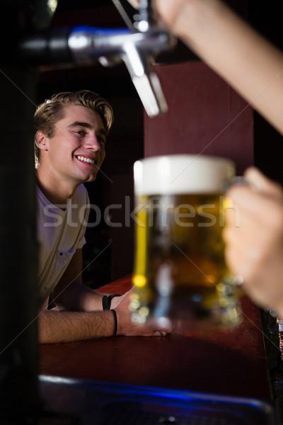 快樂 顧客 常設 對付 酒吧 女子 商業照片 © wavebreak_media