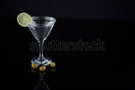Koktajl martini oliwek wapno tabeli Zdjęcia stock © wavebreak_media