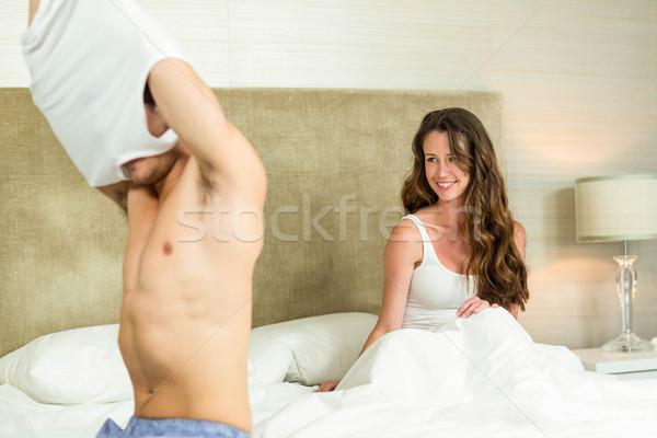 Uomo gilet donna camera da letto amore home Foto d'archivio © wavebreak_media