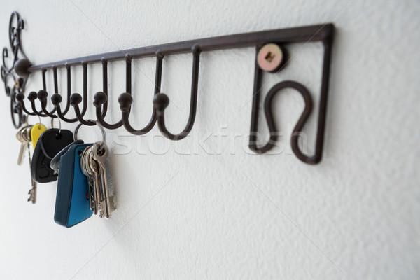 Sleutels opknoping haak witte Stockfoto © wavebreak_media