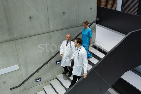 Orvosok sebészek egyéb lépcsőház kórház férfi Stock fotó © wavebreak_media