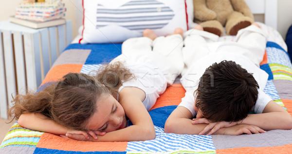 Порно брат трахнул сестру кровать 94302 фотография