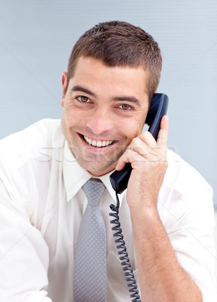 Stockfoto: Aantrekkelijk · zakenman · telefoon · kantoor · jonge · vergadering