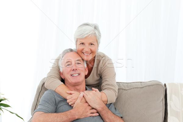 Amantes mirando cámara mujer casa Foto stock © wavebreak_media