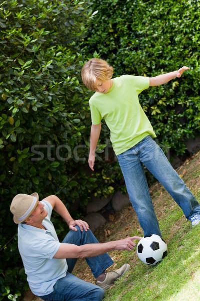 Abuelo nieto jugando fútbol fútbol feliz Foto stock © wavebreak_media