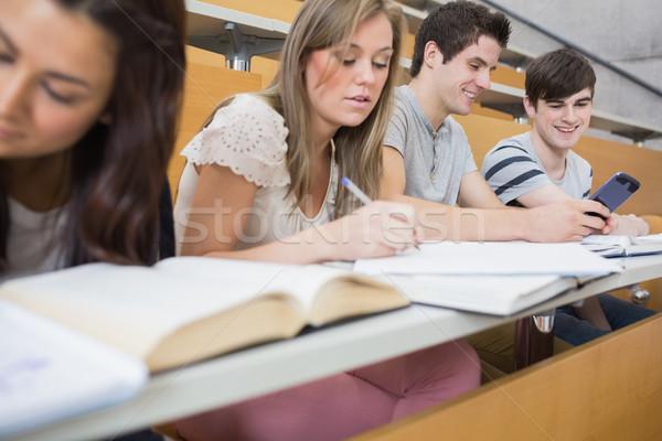 Stok fotoğraf: Iki · Öğrenciler · gülen · ders · salon