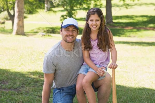 Vader dochter honkbalknuppel park portret Stockfoto © wavebreak_media
