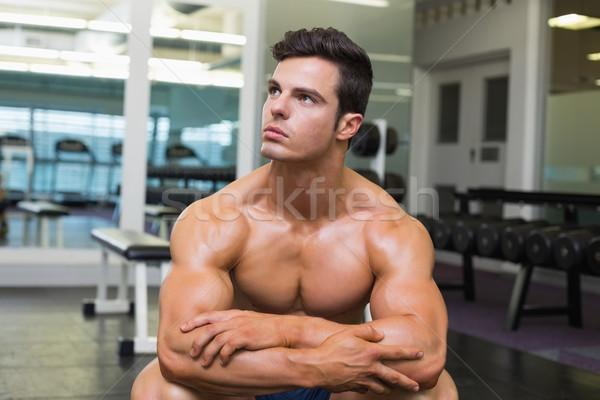 Izmos férfi másfelé néz tornaterem póló nélkül szexi Stock fotó © wavebreak_media