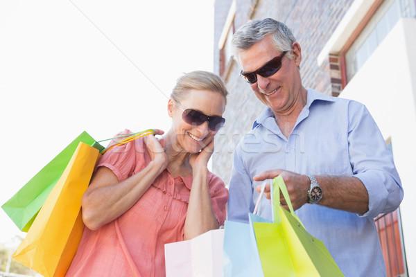 Gelukkig winkelen stad voorjaar Stockfoto © wavebreak_media