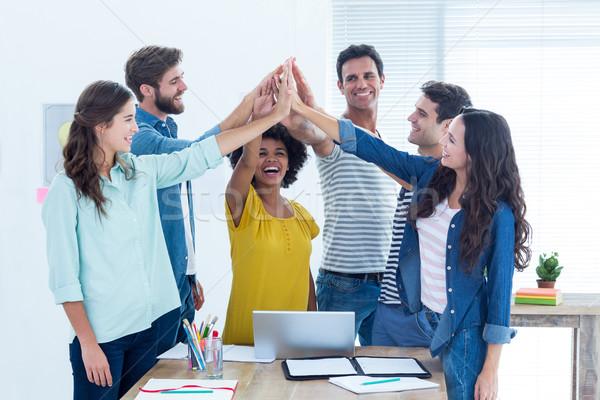 Groep jonge collega's met behulp van laptop kantoor business Stockfoto © wavebreak_media