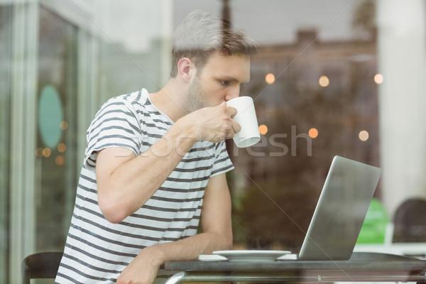 Gülen öğrenci içme sıcak içecek kafe üniversite Stok fotoğraf © wavebreak_media